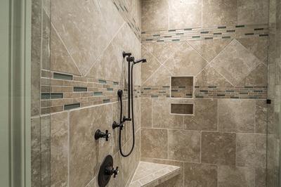 joints poreux de douche : comment les imperméabiliser ? - Impermeabiliser Joints Carrelage Salle De Bain