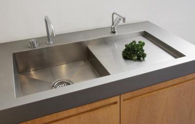Comment nettoyer son vier en inox nanoprotection - Comment deboucher un evier de cuisine ...