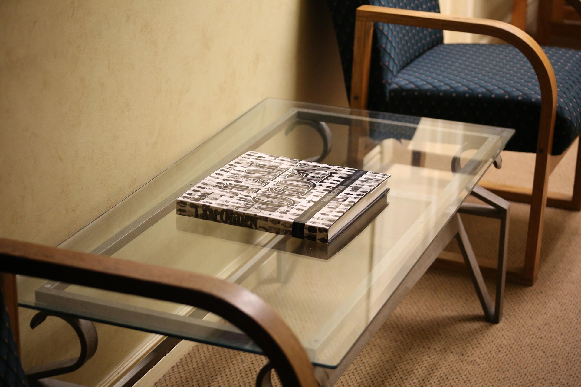 Comment nettoyer une table en verre nanoprotection - Nettoyer une table en verre sans trace ...