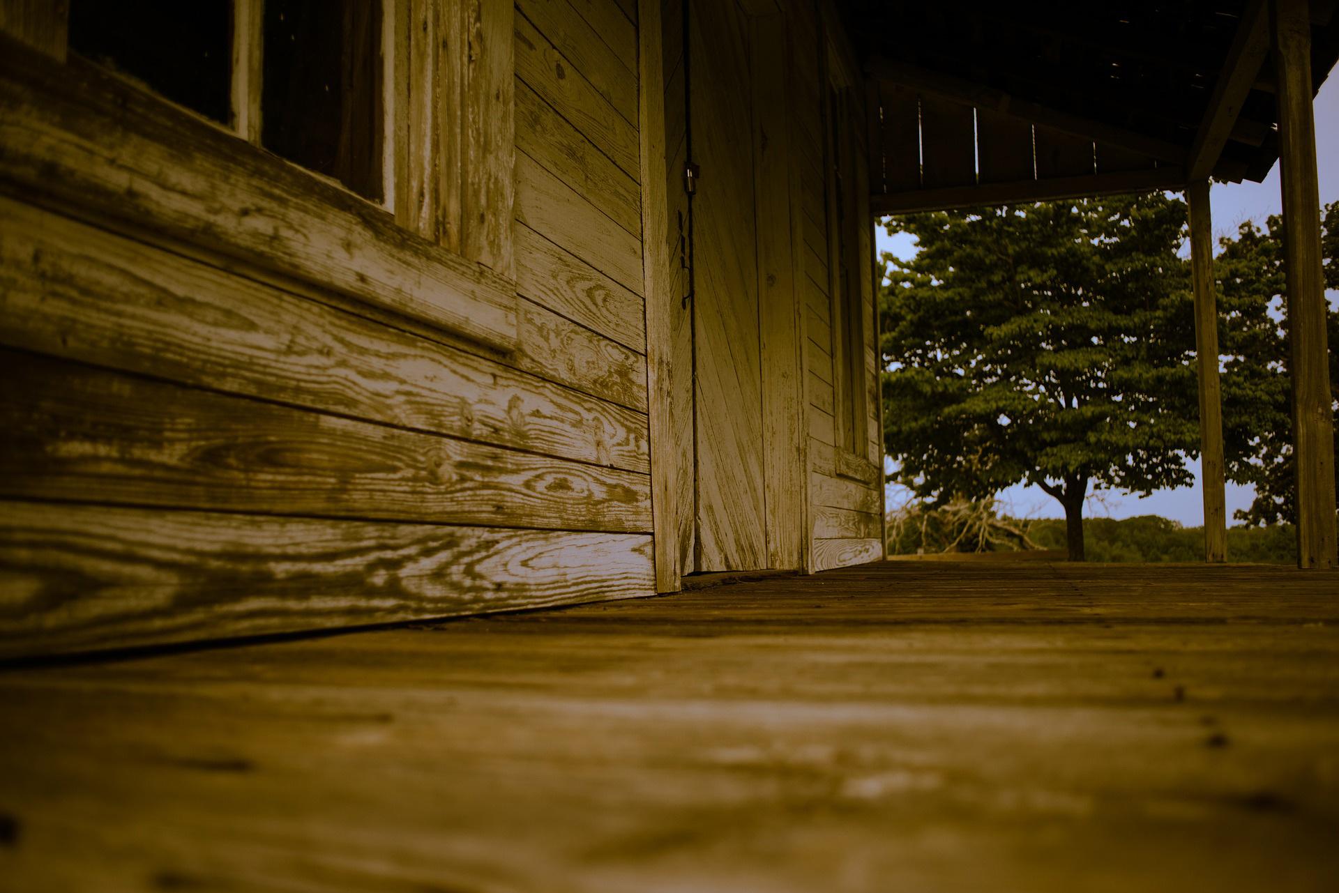 comment imperm abiliser et nettoyer ses fa ades en bois. Black Bedroom Furniture Sets. Home Design Ideas